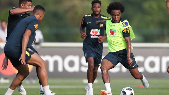 Veja imagens do primeiro treino da seleção brasileira em Londres