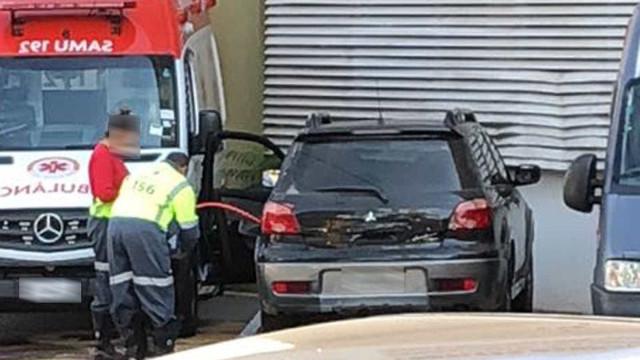 Em SP, servidores usam ambulância para abastecer carros particulares