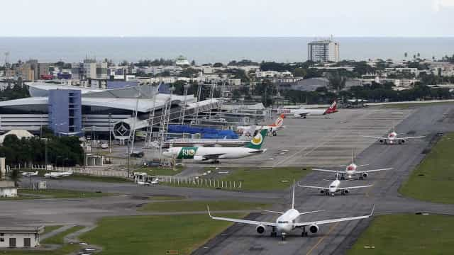 Procura por destinos nacionais sobe com oscilação do dólar