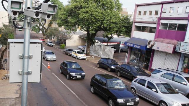 Quase 900 mil motoristas foram flagrados acima da velocidade em SP