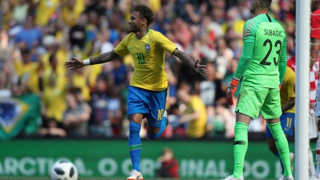 Após brilhar contra a Croácia, Neymar diz que ainda não está 100%
