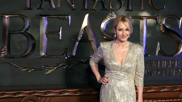 J.K. Rowling já escreve roteiro de terceiro 'Animais Fantásticos'