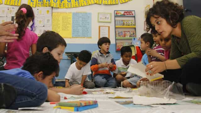 Educação pública de qualidade custaria até 5 vezes mais, diz estudo