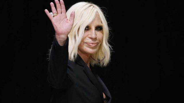 Grife Versace acerta venda para a Michael Kors