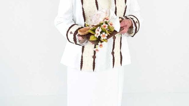 Aos 86 anos, Palmirinha arrasa vestida de noiva: 'Parece a Rainha'