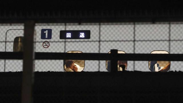 Ataque com faca dentro de trem deixa um morto e dois feridos no Japão