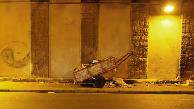 Polícia Civil do DF investiga caso de morador de rua queimado vivo