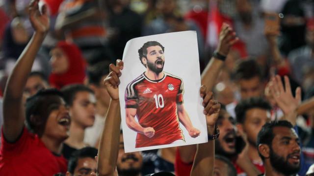 Salah treina separado e é dúvida na estreia do Egito