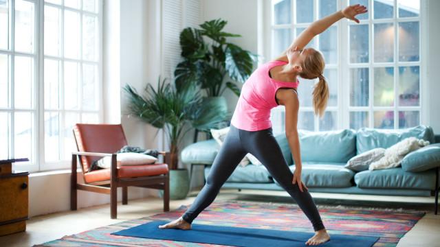 7 passos para começar a fazer exercícios em casa, sem gastar dinheiro