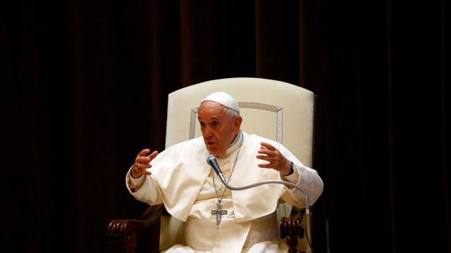 Vaticano diz que terço entregue a Lula não foi enviado pelo papa