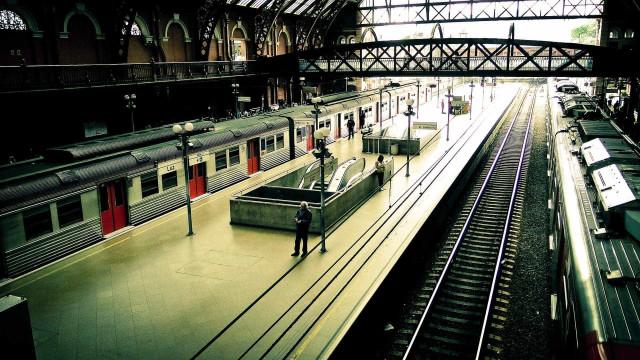 Em 4 meses, 13 pessoas morrem ao serem atropeladas por trens no país