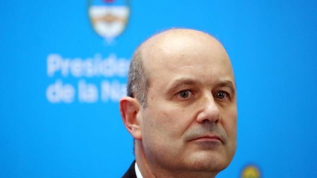 Em meio à crise econômica, presidente do BC argentino renuncia