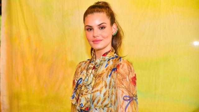 'Não estou histérica', diz Camila Queiroz sobre casamento com Klebber