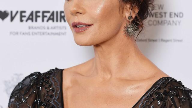 Catherine Zeta-Jones: 'Desculpa se sou rica, casada com astro e bonita'