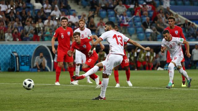 De pênalti, Tunísia empata duelo com a Inglaterra: 1 a 1