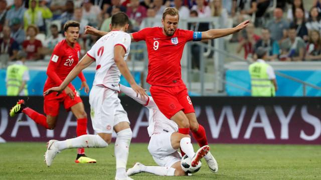 Kane marca duas vezes e garante vitória da Inglaterra sobre a Tunísia