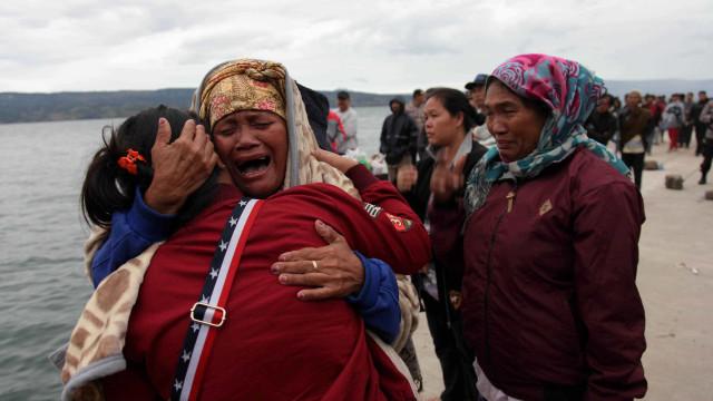 Indonésia busca ao menos 94 desaparecidos após naufrágio em Sumatra