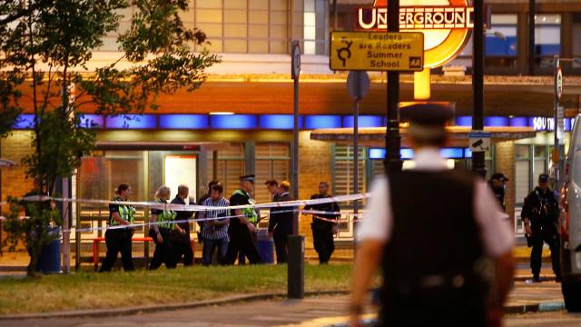 Explosão atinge metrô de Londres e deixa feridos