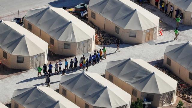 8 crianças brasileiras estão isoladas de pais imigrantes presos nos EUA