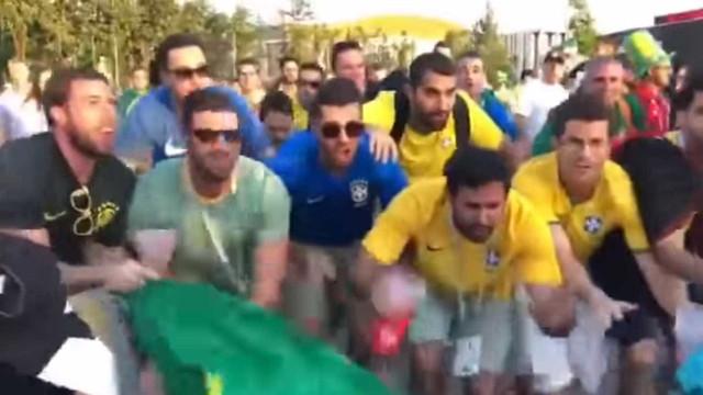 Brasileiros provocam argentinos na Rússia com paródia de 'Bella Ciao'