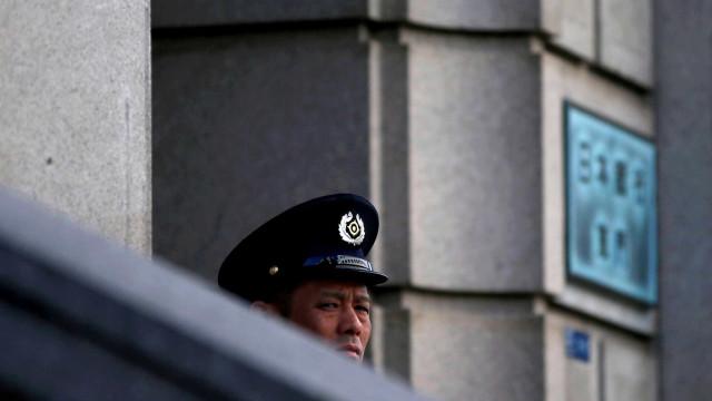 Japão suspende treinamento de população contra ataque nuclear