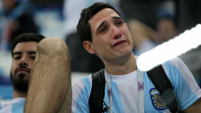 Argentinos choram, croatas comemoram; veja as reações 'pós-baile'