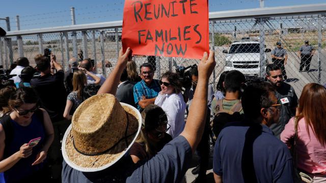EUA estudam usar bases militares como abrigo para crianças imigrantes