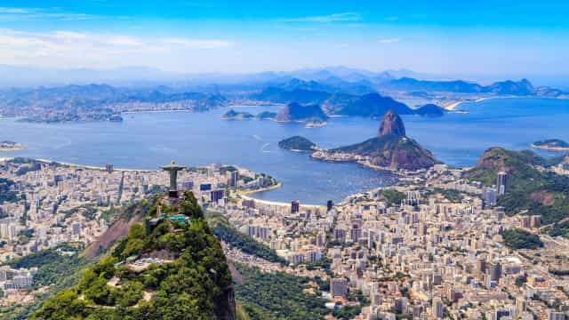 Tiroteio entre PMs e criminosos assusta moradores no Rio de Janeiro