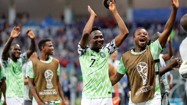 Nigéria vence Islândia e faz Argentina sonhar