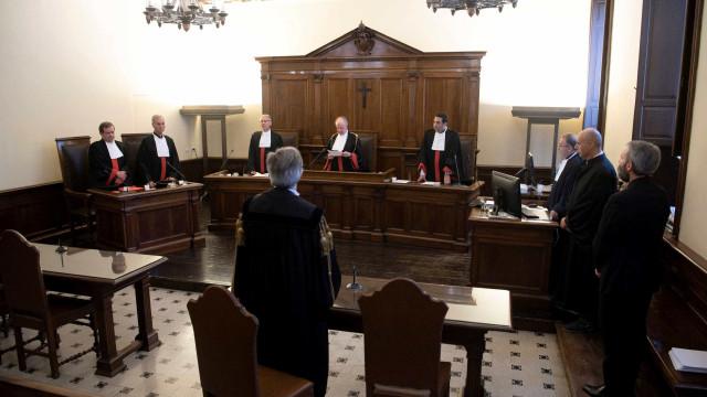 Padre acusado de pedofilia é condenado a cinco anos de prisão
