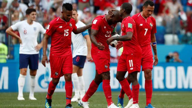Panamá marca seu primeiro gol em copas, mas é goleado pela Inglaterra
