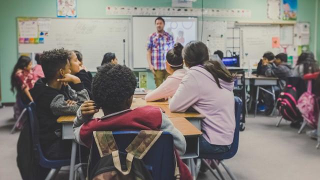 Só 2,4% dos jovens brasileiros querem ser professor
