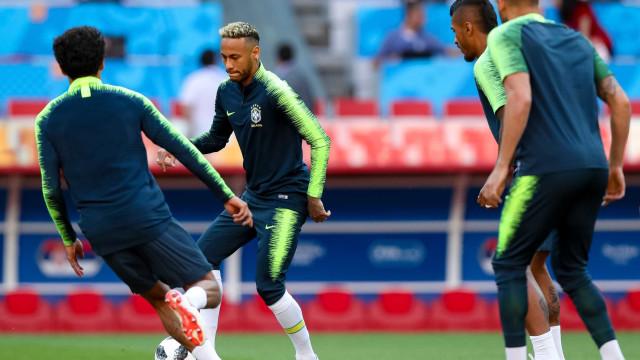 Está quase! Brasil tem equipe definida e faz treino em estádio do jogo