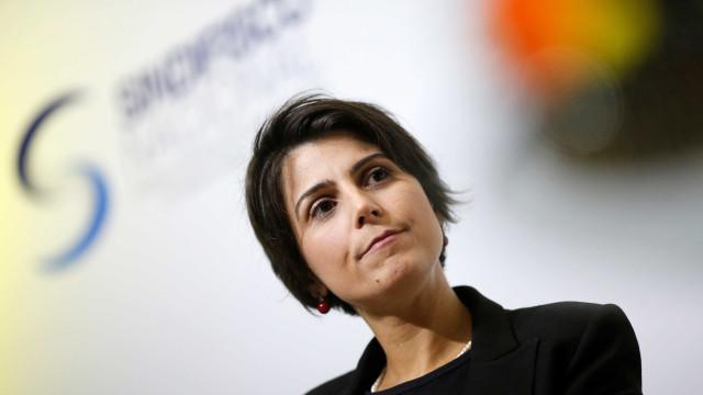 Dividido e à espera do PSB, PT não formaliza convite a Manuela D'Ávila