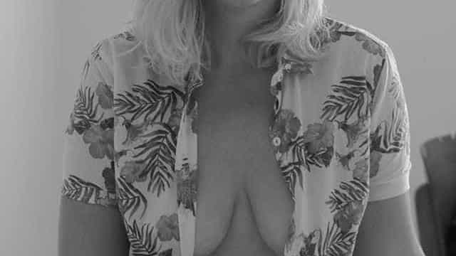 Em foto sensual, ex-Malhação demonstra ter medo de ser esquecida