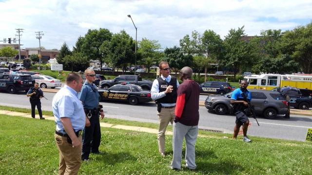 Atirador deixa 5 mortos em redação de jornal nos EUA
