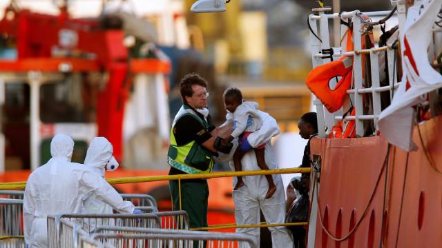 União Europeia fecha acordo para conter fluxo de imigrantes