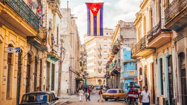 Cuba faz concessões ao setor privado e ameniza regras para negócios
