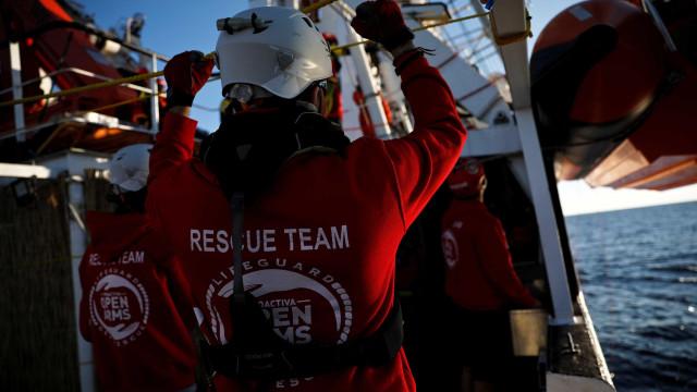 Espanha autorização resgate de 59 imigrantes de origem líbia