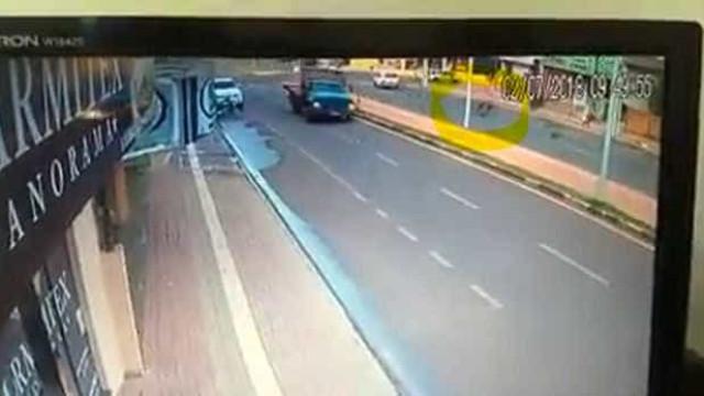 Idosa fica gravemente ferida após ser atingida por roda de caminhão