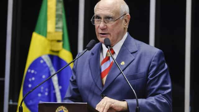 Brasil tem o 'pior STF de todos os tempos', critica senador