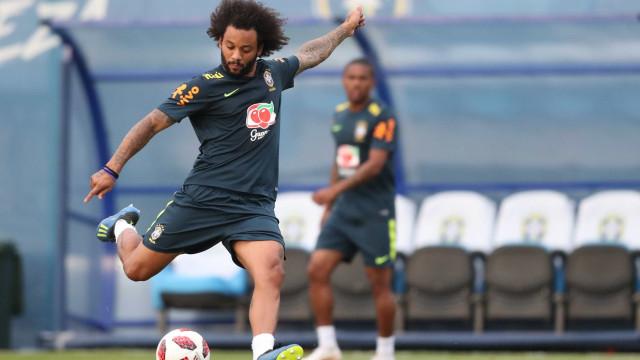 Marcelo treina e deve retornar à seleção contra a Bélgica