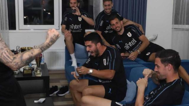 Seleção do Uruguai faz torneio de truco durante Copa do Mundo