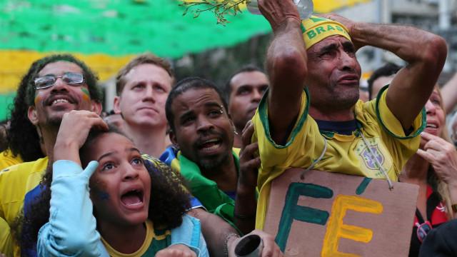 Emoção à flor da pele: as melhores imagens da torcida na Copa
