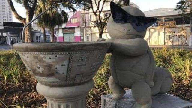Quarta estátua de Pokémon aparece em praça de Suzano, em SP