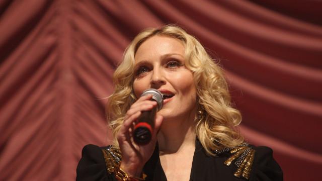 Madonna adere ao #EleNão e pede 'fim do fascismo'
