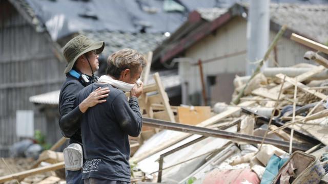 Papa diz estar 'profundamente triste' por mortes no Japão