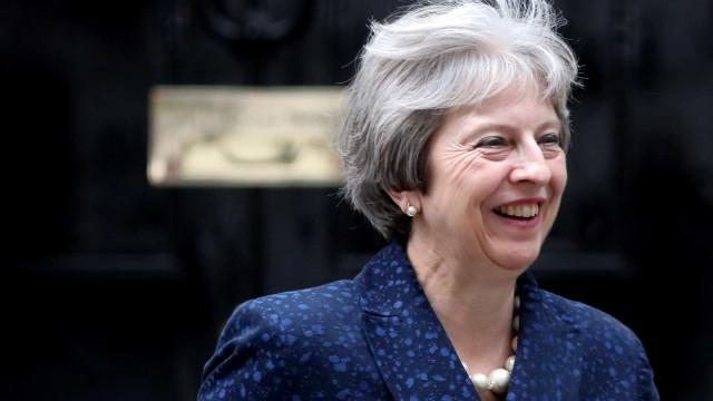 May garante que 95% do acordo do Brexit está concluído