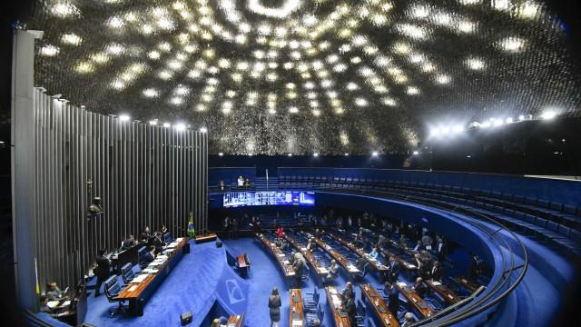 Senado aprova projeto que tipifica crime de importunação sexual