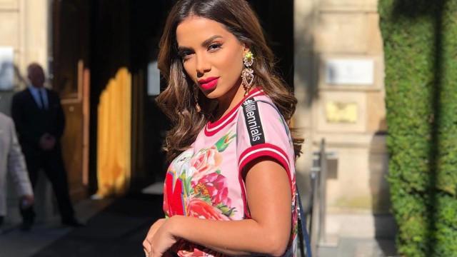 Briga judicial: Anitta procura ex-empresária e oferece R$ 10 milhões